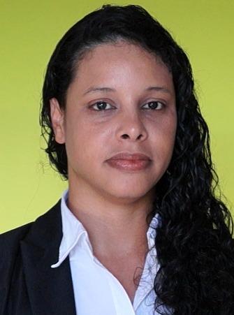 Nívea Oliveira